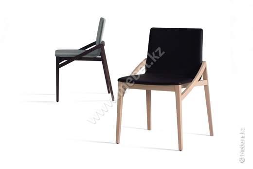 Широкий стул capita 510M